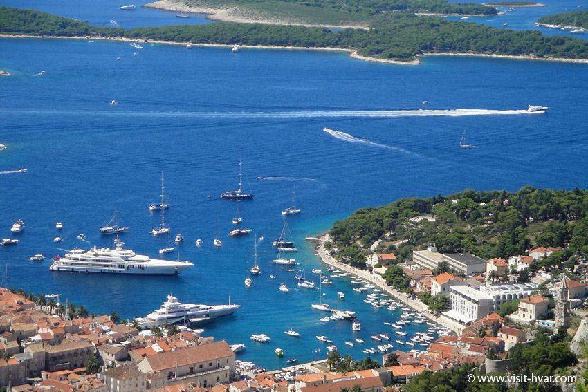 Hvar harbour - Panoramic view.