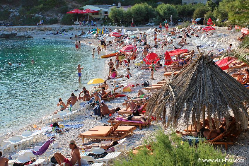 Plaże na wyspie Hvar - Pokonji Dol