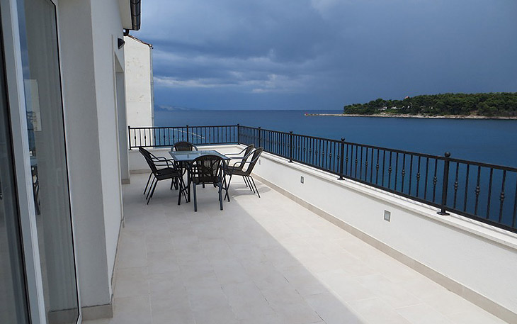 Luxury Aparthouse Hvar situated just 5 meters from the sea