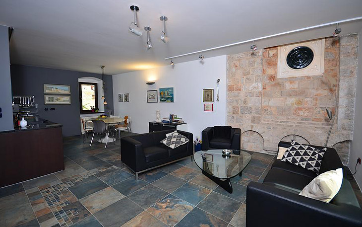 Luxury Apartment Tvrdalj in the renaissance castle in Stari Grad