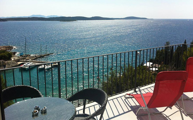 Luxury Apartments Blue Bay Residence in the town of Hvar