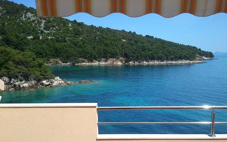 hvar-island-beachfront-apartments-002