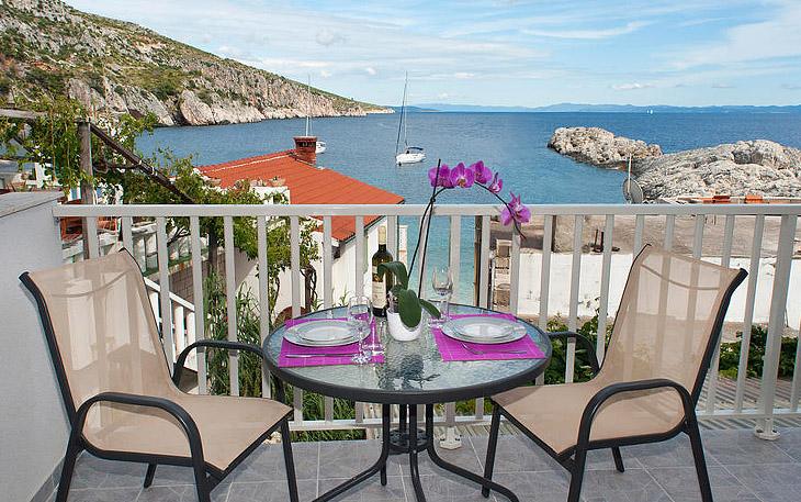 hvar-island-beachfront-apartments-003