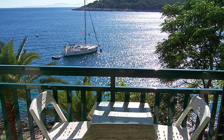 hvar-island-beachfront-apartments-005