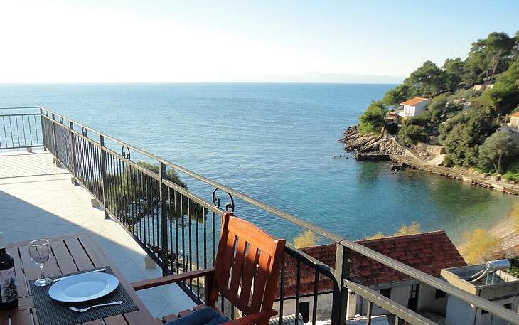 hvar-island-beachfront-apartments-006
