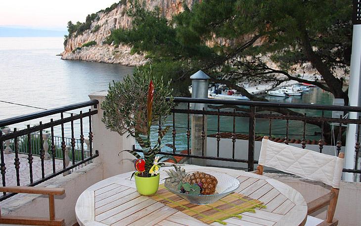 hvar-island-beachfront-apartments-008