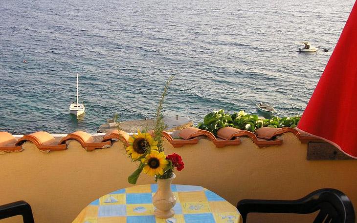 hvar-island-beachfront-apartments-009